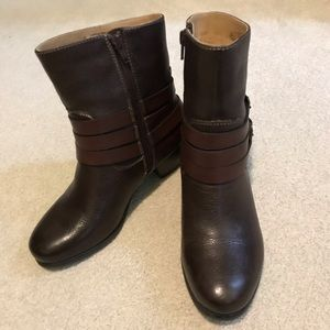 Naturalizer boots size 6 1/2